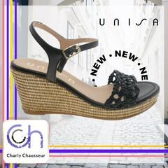 Quand on vous dit que la tendance de l'été sera compensée 😅  C'est nouveau chez Charly, découvrez la très confortable chaussure de la marque Unisa.  En boutique et sur https://www.charlychaussures.com/  #unisa #compensée #été #cool